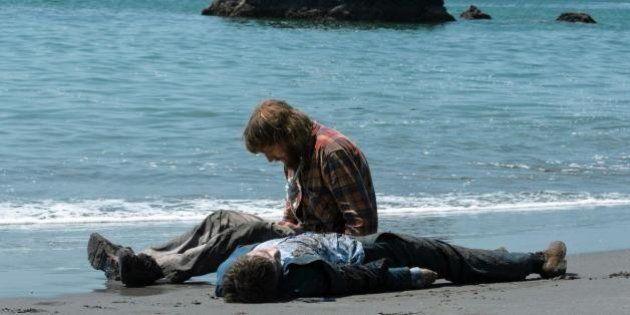 Daniel Radcliffe faz um cadáver flatulento que tem ereções em seu novo