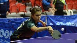 Bruna Takahashi, aos 15 anos, é a 1ª brasileira campeã mundial no tênis de