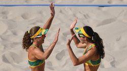 Larissa e Talita dão SHOW na areia e vencem russas em apenas dois
