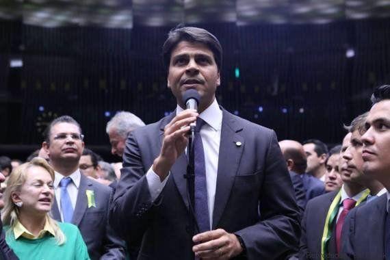Acusado de violência doméstica, candidato à prefeito do Rio de Janeiro quer mulher para