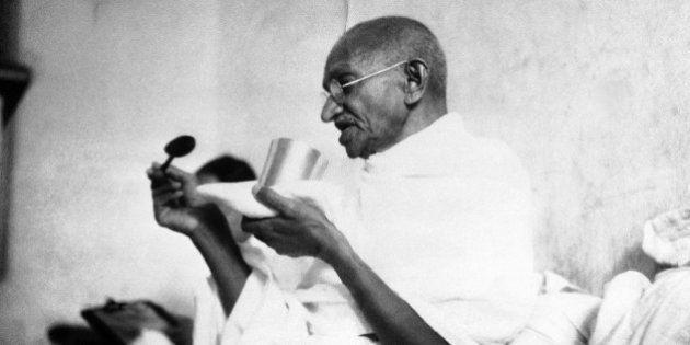 90 anos de desobediência civil: 9 frases de Gandhi para você pensar na
