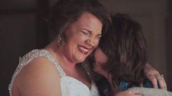 ASSISTA: Mãe entrega carta emocionante à filha adotiva no dia de seu