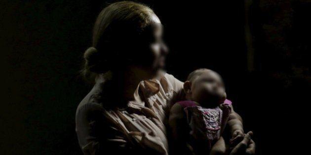 Triste realidade: Homens abandonam mães de bebês com microcefalia em