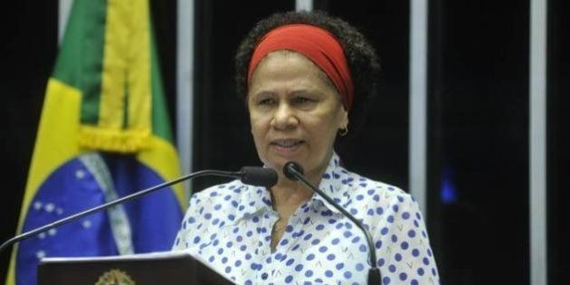 Danilo Gentili destila preconceito ao chamar Regina Sousa, senadora negra do Piauí, de 'tia do