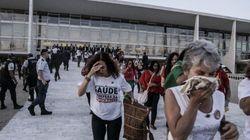 Manifestantes tentam invadir Palácio do Planalto durante pronunciamento de