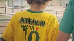 'Marta merece essa camisa muito mais que Neymar', diz