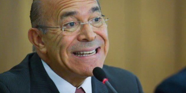 'Tentamos buscar mulheres, mas não foi possível', diz ministro Eliseu