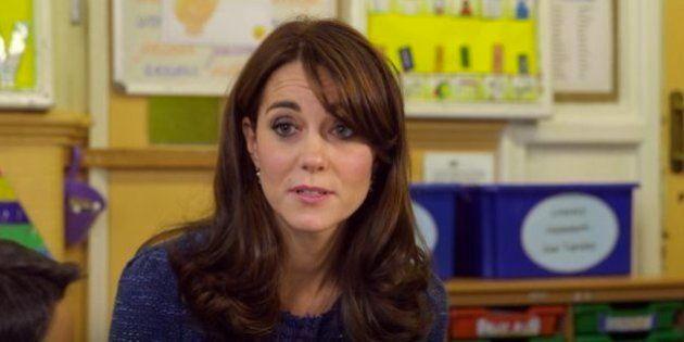 Kate Middleton pede apoio emocional para crianças com problemas