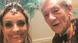 Ian McKellen é Gandalf, Magneto e... folião gente fina no Carnaval do