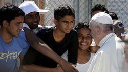 Papa almoça com refugiados sírios no