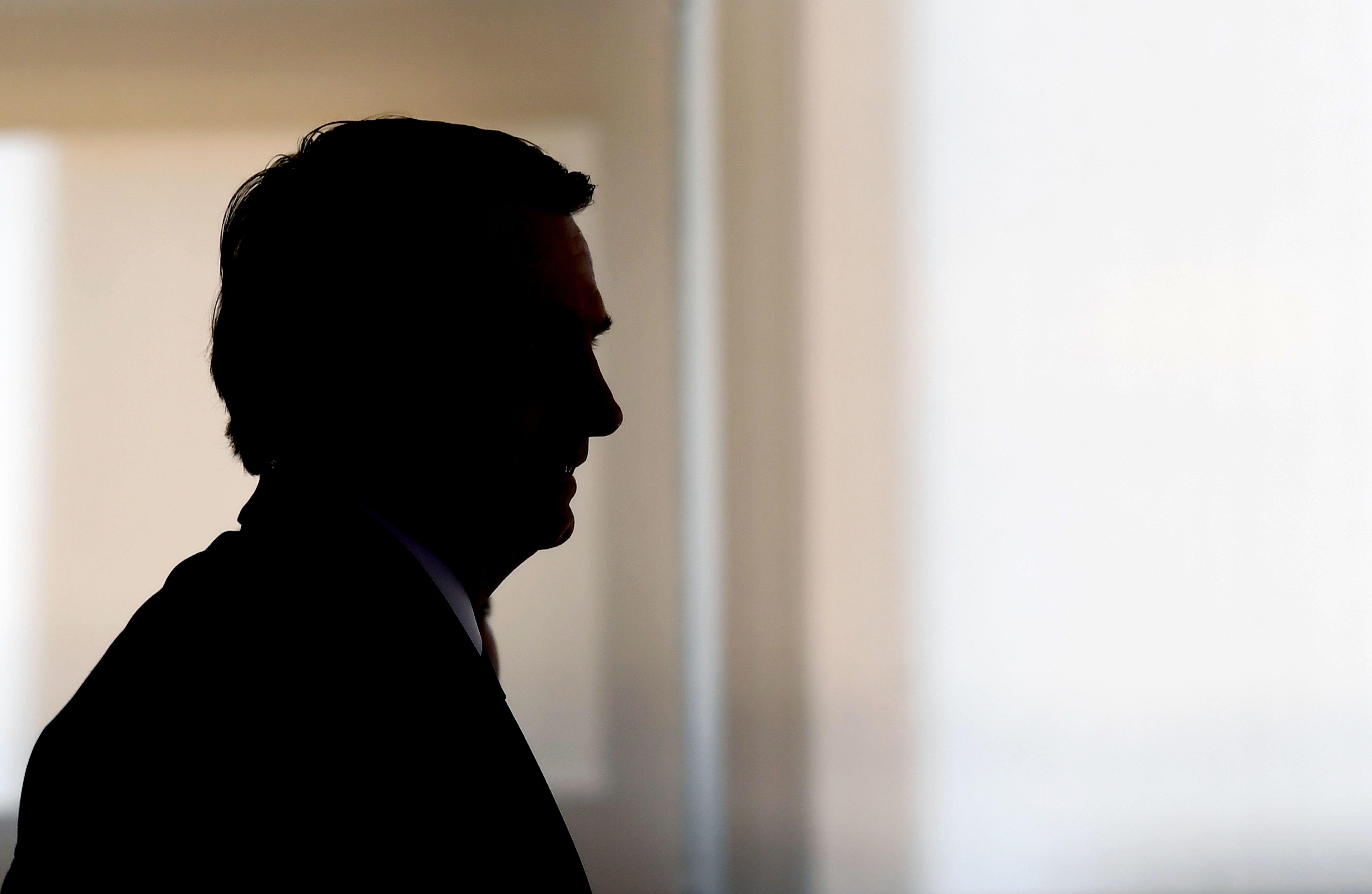 Recuos e desentendimentos públicos no governo Bolsonaro marcam 10 primeiros
