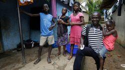 Moradores de Serra Leoa celebram o fim da epidemia de