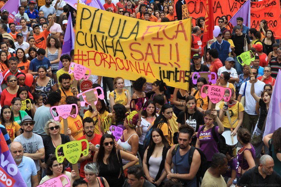 Em Brasília, Belo Horizonte ou São Paulo o pedido das mulheres e movimentos populares é o mesmo: Pílula...