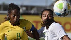 'Troco tudo que conquistei pelo profissionalismo no Brasil', diz jogadora da