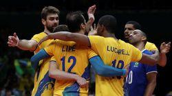 'Au revoir!' Brasil derruba França em partida tensa e decisiva no vôlei