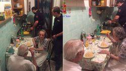 Policiais decidem cozinhar para casal de velhinhos que chorava por