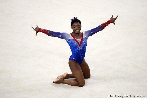 Ela não para! Simone Biles é OURO no solo de ginástica