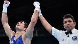 'Juiz! Juiz! Juiz!': Sem lutador do Brasil no ringue, público torce por árbitro
