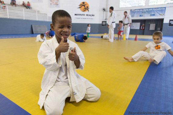 Multa de atleta americano vai ajudar instituto que forma judocas como Rafaela