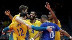 Medalha garantida! Seleção brasileira de vôlei masculino atropela Rússia por 3 sets a