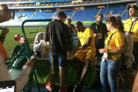 Após três medalhas de ouro, Usain Bolt se despede da Olimpíada com ritual
