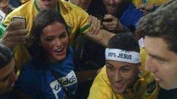Neymar comemora ouro com Bruna Marquezine. E agora todos querem a volta do