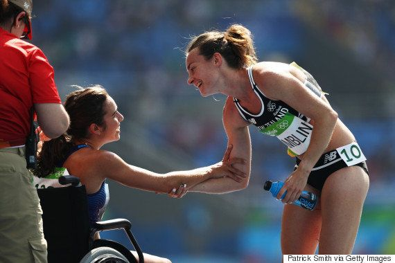 Atleta neozelandesa Nikki Hamblin ganha medalha honrosa por espírito olímpico em