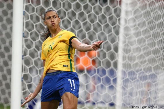 Show das Poderosas! Meninas do Brasil passam fácil pela Rússia: 4 a 0. Formiga se