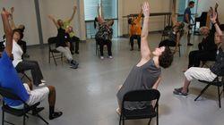 Aulas de dança dão a alegria do movimento para doentes de