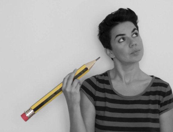 'Monstro Rosa' e 'Pássaro Amarelo' querem ensinar o que é diversidade às