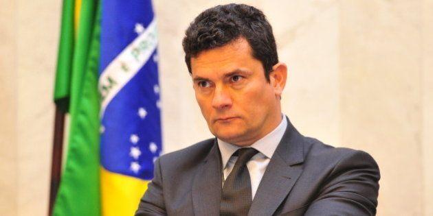 Sérgio Moro perde a paciência com advogados de Lula: 'O senhor respeite o