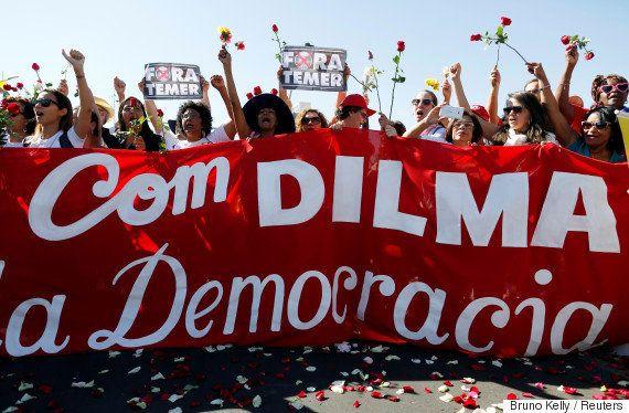 Foi a democracia que