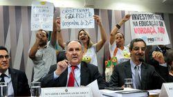 ASSISTA: Chamado de 'golpista', Cristovam encerra debate sobre Escola sem