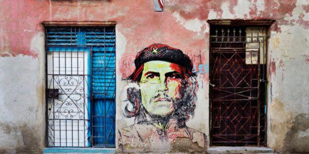 Che Guevara mural on dilapidated wall, Havana, Havana, Cuba