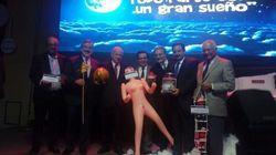 Após dar boneca inflável para ministro, empresário diz que reação pública foi 'levada ao
