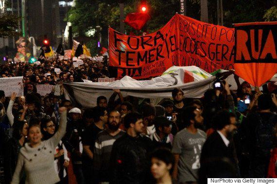 Temer diz que protestos contra impeachment são de 'grupos pequenos e