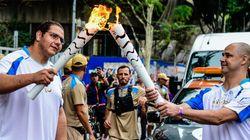 Tocha paralímpica passa por São Paulo e dissemina sua mensagem de força e