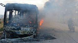 Ônibus que socorreriam sírios em Aleppo são incendiados durante