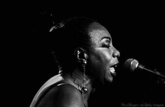 Lenda da música, Nina Simone receberá Grammy em reconhecimento à trajetória