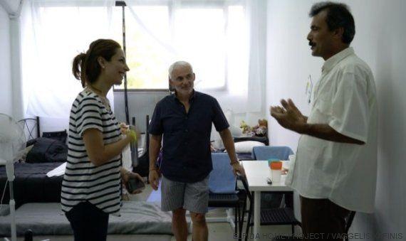 Voluntários transformam fábrica abandonada em lar de 700 refugiados na