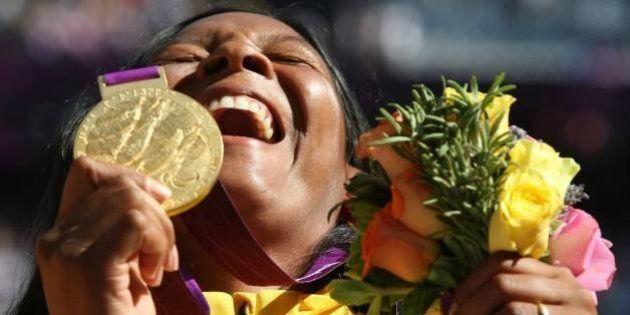 Shirlene Coelho será a primeira mulher a ser porta-bandeira na