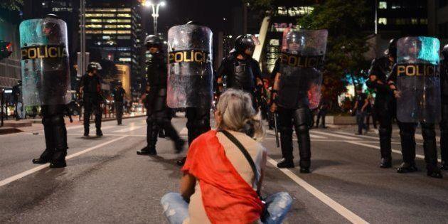 Apenas 32% dos brasileiros acreditam que a democracia é a melhor forma de governo, diz