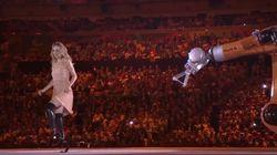 ASSISTA: Paratleta Amy Purdy faz belíssima dança com robô