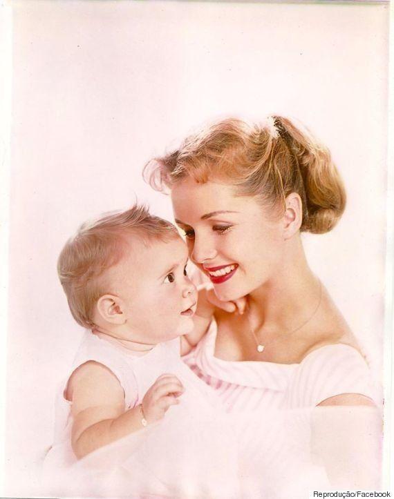 Atriz Debbie Reynolds morre um dia após filha Carrie