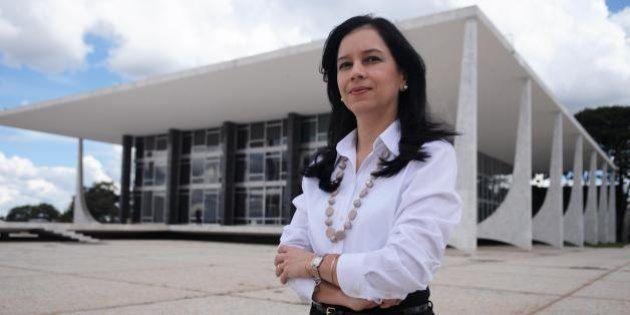 Grace Mendonça é oficializada na AGU; e é a primeira ministra mulher do governo