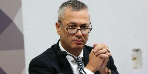 Governo quer abafar a Lava Jato, diz advogado-geral da União