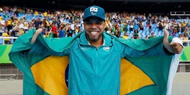 Claudiney Batista dos Santos conquista 4º ouro para o Brasil no lançamento de
