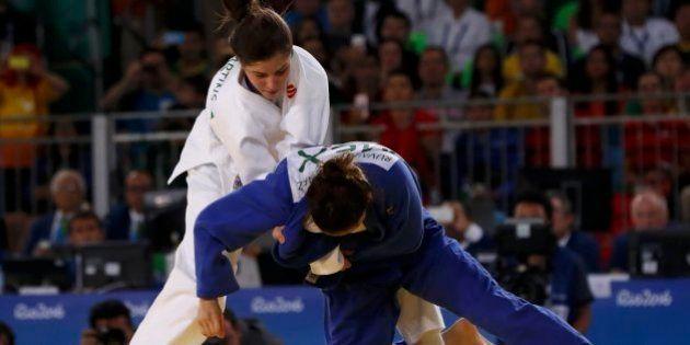 Muito aplaudida, Alana Maldonado é medalha de prata no
