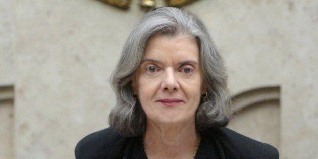 Segunda mulher a comandar o STF, Cármen Lúcia troca regalias do Judiciário por pauta