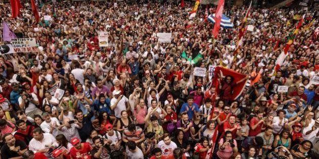 'Fora Temer' ocupa as ruas de São Paulo, e Polícia Militar detém 3